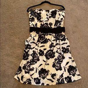 Loft strapless dress with belt